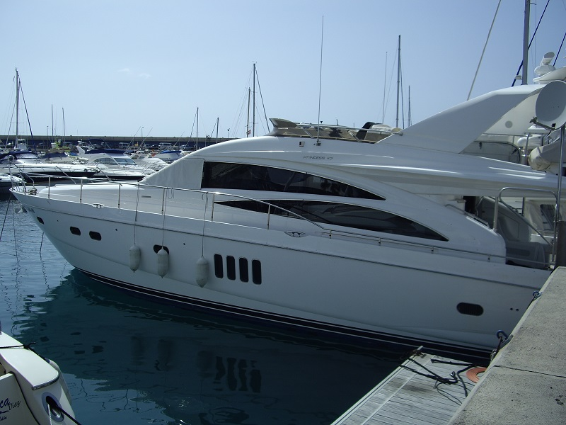 expert maritime bateaux à moteur d'occasion